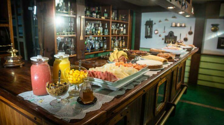 Hotel Pousada do Capitão - Pousada temática em Ilhabela - Roteiros de Charme