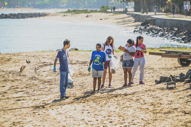 Dia Mundial de Limpeza de Rios e Praias em Ilhabela