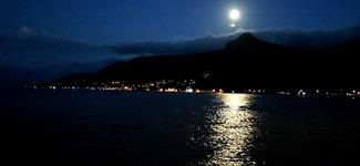 Ilha à Noite!