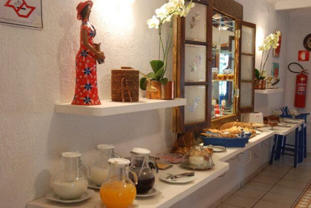 Pousada dos Hibiscos - Café da manhã - Portal Ilhabela.com.br