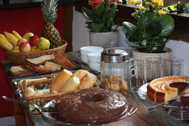Pousada Refúgio da Harmonia - Café da manhã - Portal Ilhabela.com.br