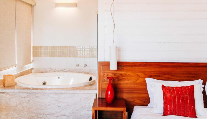Hotel Fita Azul - Ilhabela - Em frente ao Yacht Club de Ilhabela e perto da Vila