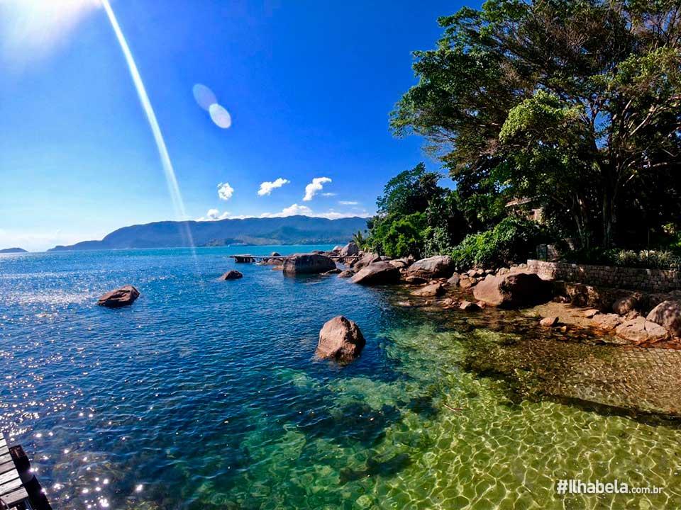 Mar transparente na Praia do Julião - Ilhabela - Ilhabela.com.br