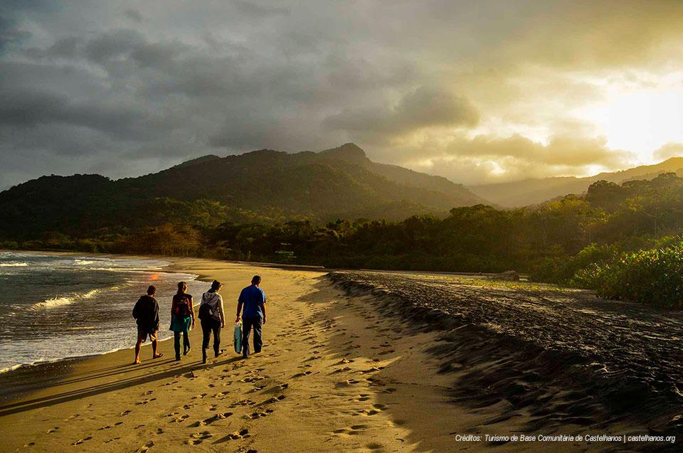Praia de Castelhanos - Ilhabela - Turismo de Base Comunitária Castelhanos
