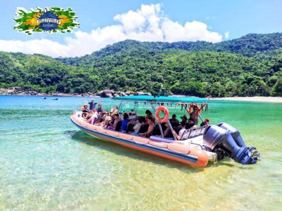 Passeio de Barco em Ilhabela - Superboat Bonete - Maremar Turismo