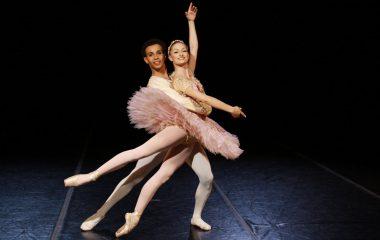 São Paulo Companhia de Dança faz espetáculo em Ilhabela