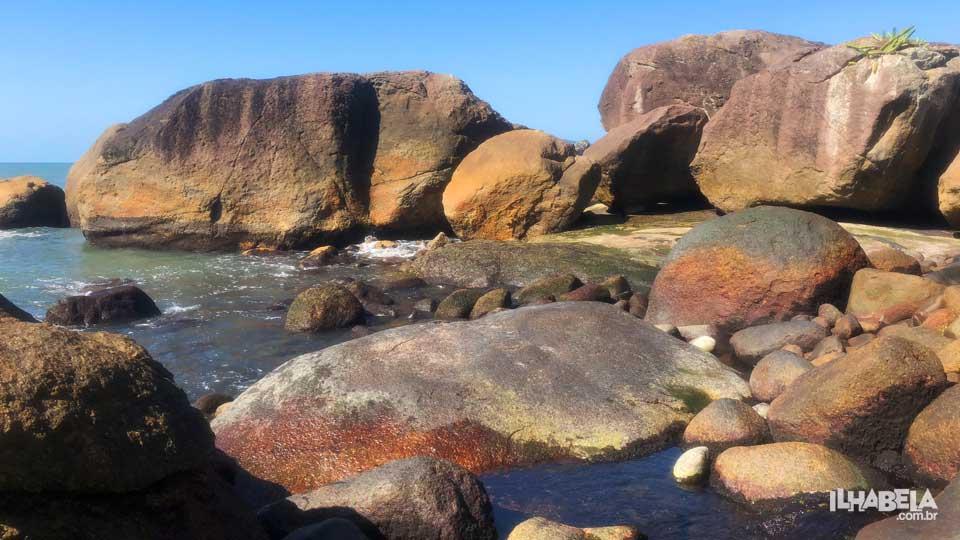 Pedras na Praia do Gato - Ilhabela - Ilhabela.com.br