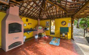 pousada-villa-da-prainha-ilhabela-churrasqueira