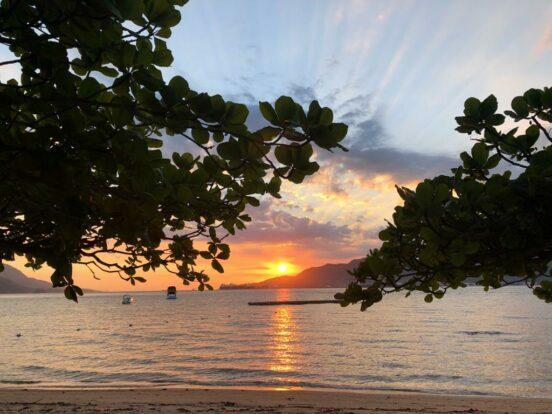 Pôr do Sol na Praia de Itaquanbuda em Ilhabela