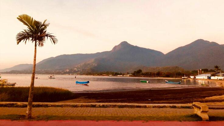Praia da Barra Velha - Perto da Balsa em Ilhabela