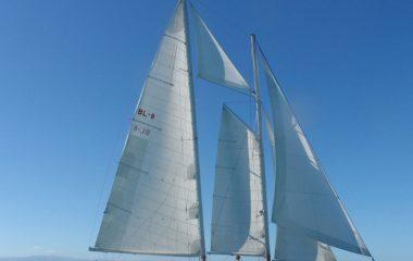 O lendário veleiro Atrevida na Semana de Vela de Ilhabela