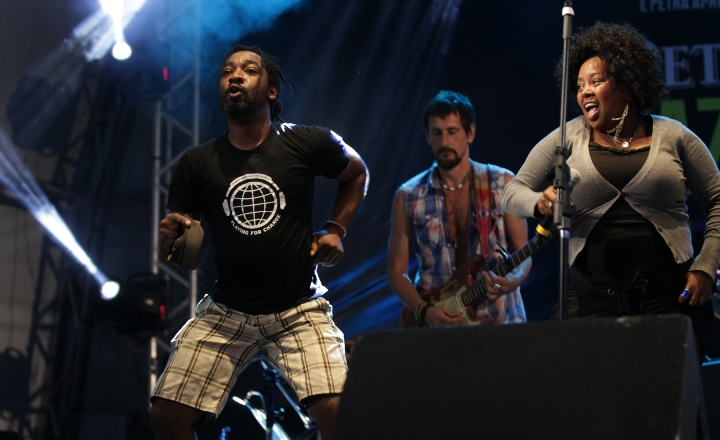 Playing for Change no Ilhabela in Jazz
