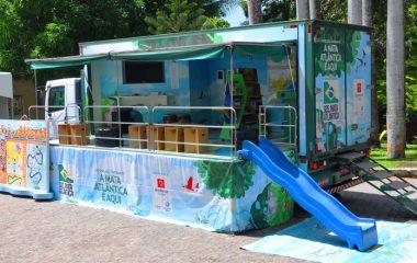 Ilhabela recebe caminhão com exposição sobre a Mata Atlântica