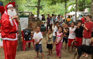 Natal antecipado para crianças de Castelhanos