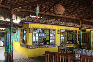 papagaio-bar-e-restaurante-praia-do-curral-ilhabela
