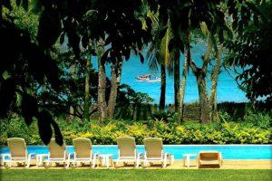 pousada-caravela-e-villas-piscina-vista-mar-ilhabela