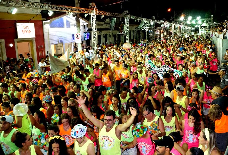 Bloco da camisinha - Carnaval - Portal Ilhabela.com.br