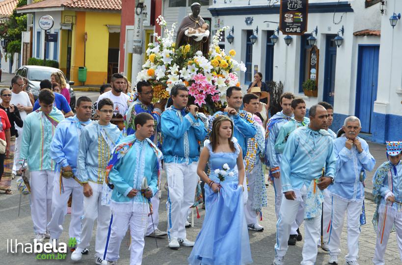 Congada de São Benedito - Semana de Cultura Caiçara em Ilhabela