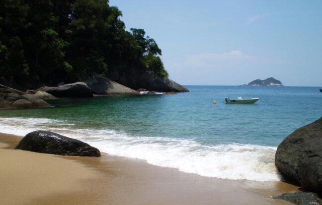 Praia da Guanxuma - Portal Ilhabela.com.br
