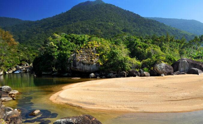 Praia do Poço - Portal Ilhabela.com.br