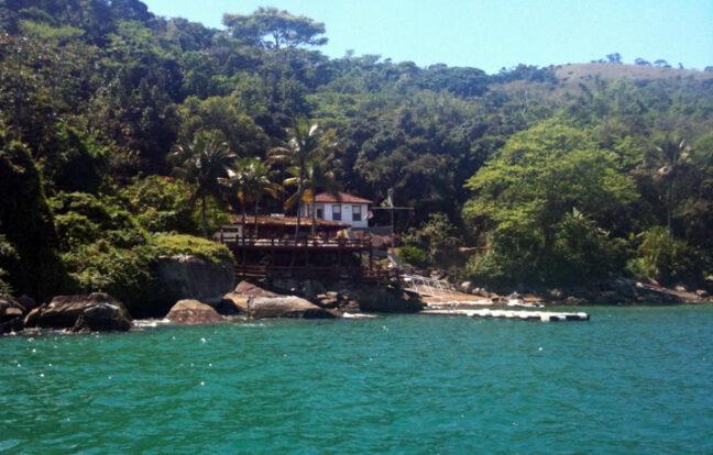 Praia Saco do Sombrio - Portal Ilhabela.com.br