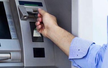 Bancos e Caixas Eletrônicos