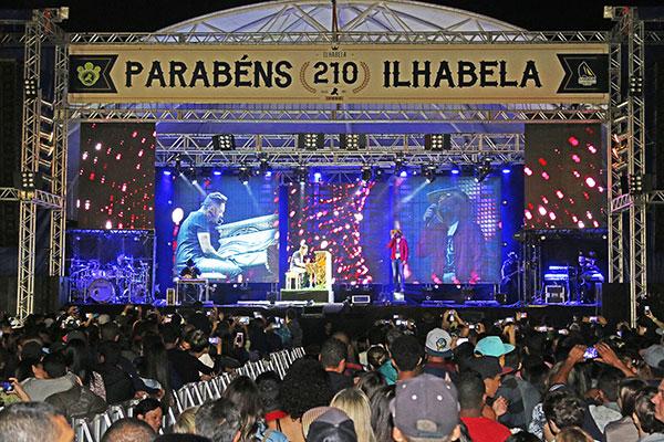 Shows de Aniversário de Ilhabela - 210 anos - Show com Fernando e Sorocaba