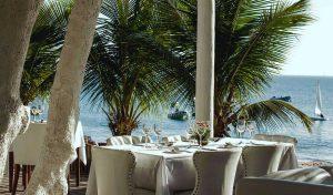 dpny-beach-hotel-praia-do-curral-ilhabela-beach-club-mesas