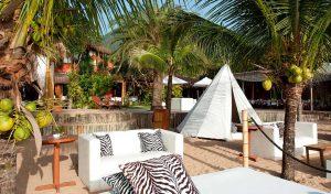 dpny-beach-hotel-praia-do-curral-ilhabela-beach-club-sofa