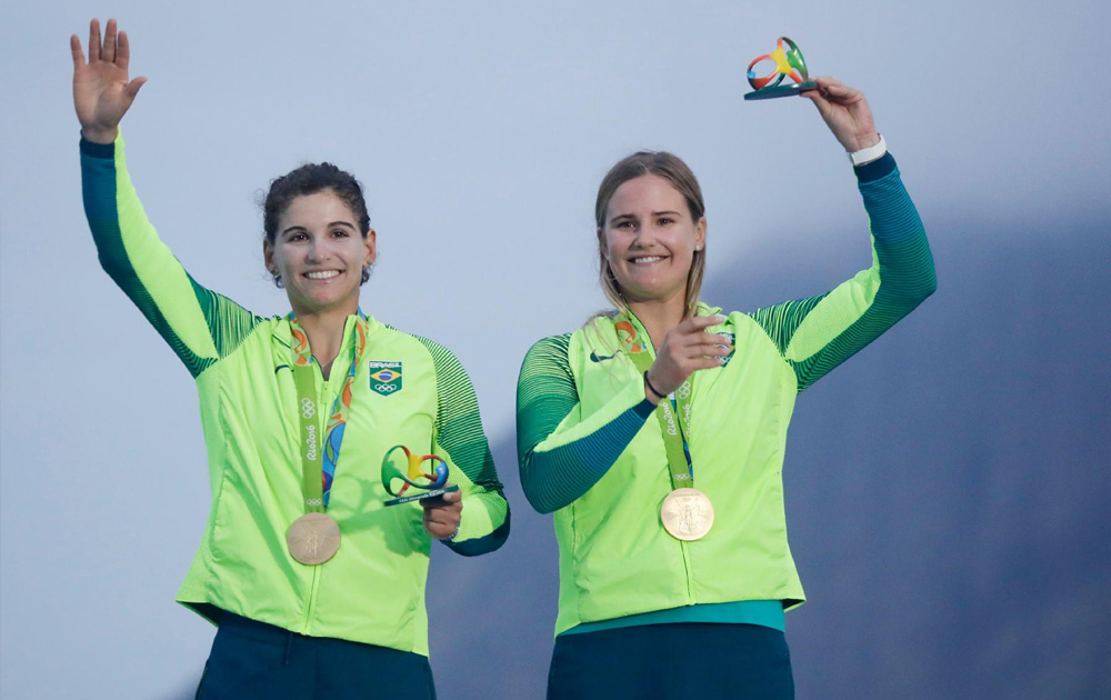 Martine Grael e Kahena Kunze conquistam medalha de ouro para o Brasil nos Jogos Olímpicos Rio 2016