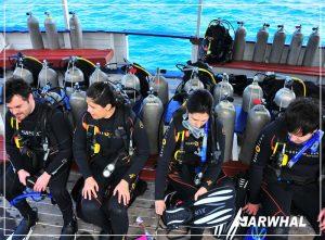mergulho-com-a-narwhal-em-ilhabela-alunos-embarcados