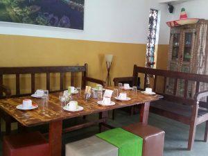 pousada-caxinguele-e-hostel-mesa-cafe-da-manha