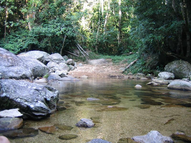 Água Limpa - Cachoeira em Ilhabela - (Imagem: Flickr/Vitor Pose Martinez)