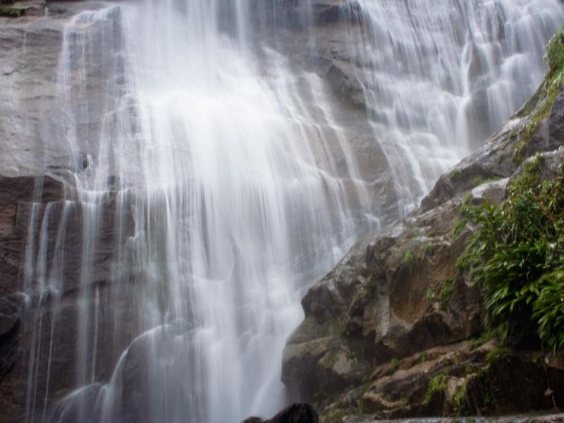 Cachoeira do Gato em Ilhabela (Imagem: Flickr/bisonlux)