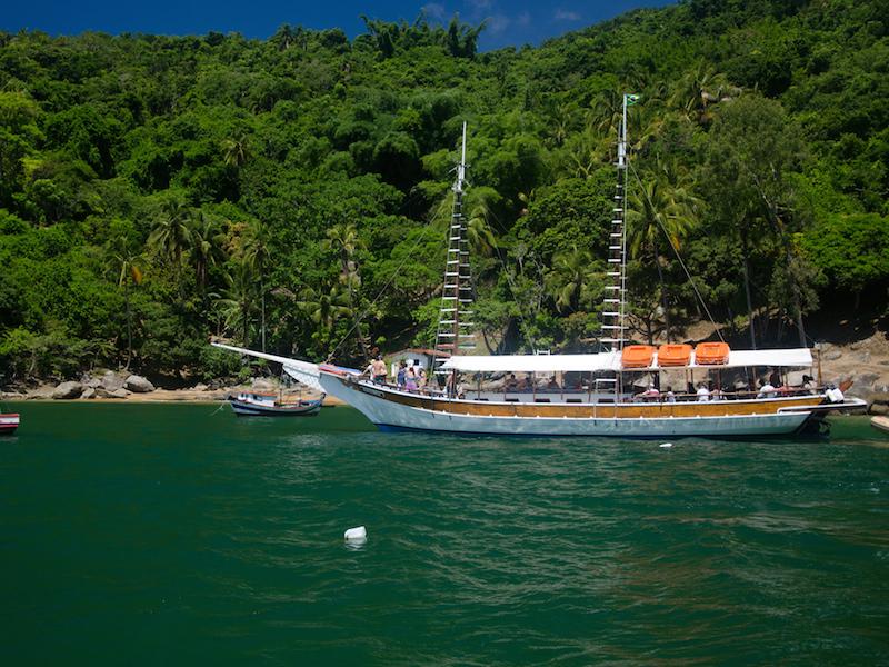 Escuna em Ilhabela - Foto: Flickr Wellington-jr-teixeira