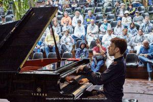festival-vermelhos-2015-piano