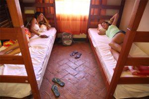 hostel-central-ilhabela-quarto
