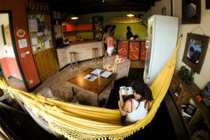 hostel-central-ilhabela-recepcao