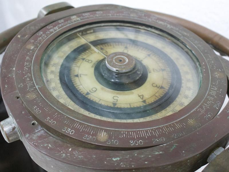Bússola no Museu Náutico de Ilhabela (Imagem: Arquivo Pessoal/Alessandra Stefani)