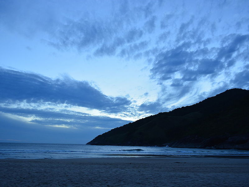 Final do dia na Praia do Bonete (Imagem: Wikimedia Commons/Toledouliana)