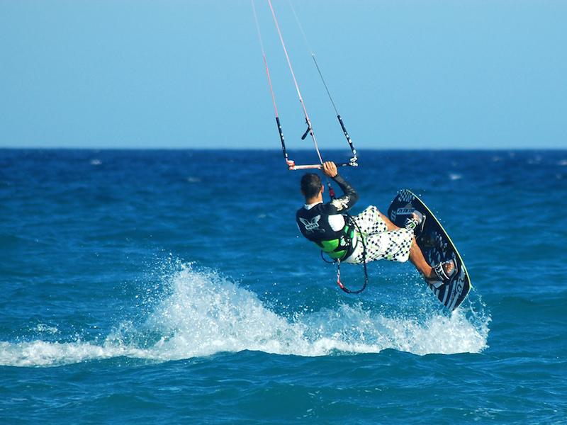 Kitesurfe (Imagem: Flickr/Willtron)