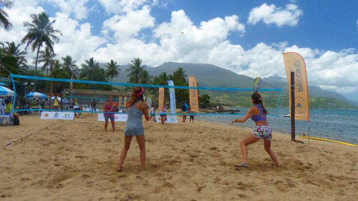Beach Tennis em Ilhabela (Imagem: Marco Yamin)