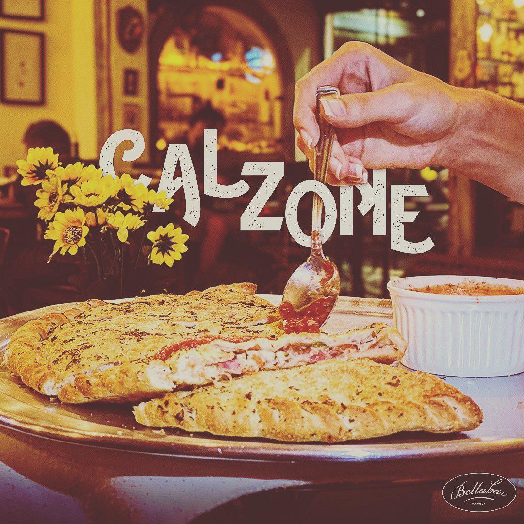 Calzone - Bella Bar Ilhabela
