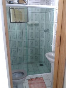 chales-raiar-do-baepi-ilhabela-banheiro