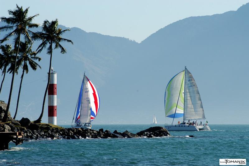Vela na Ponta das Canas (imagem: Fernando Tomanik)