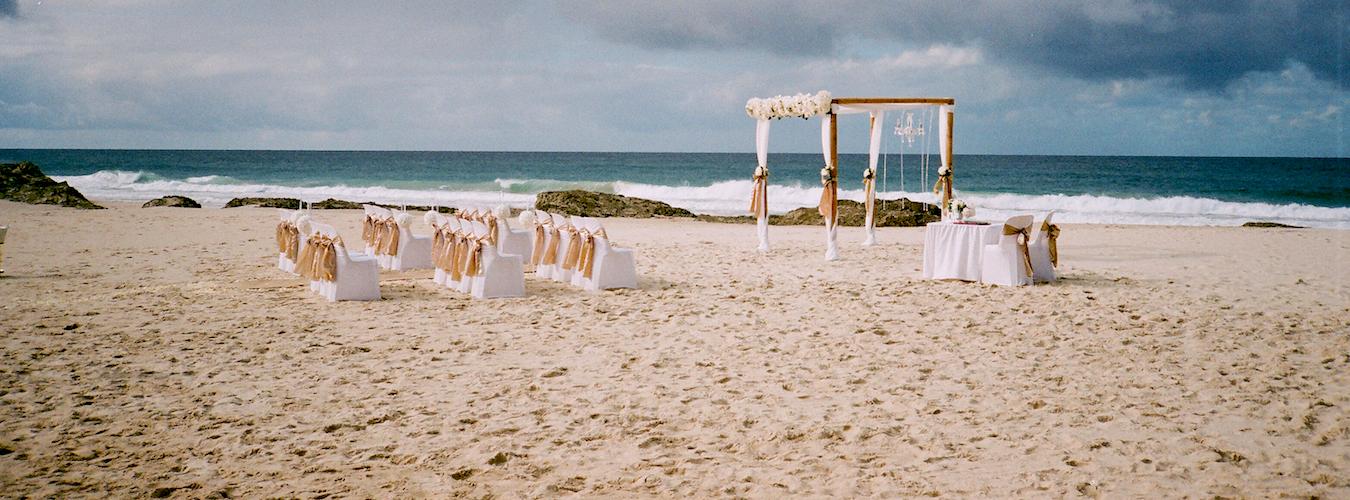 Casamento na praia mini wedding (Imagem: Flickr/Hongsik park)