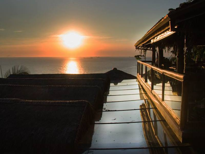 Por do sol no restaurante All Mirante (Imagem: Divulgação/All Mirante Bar e Restaurante)