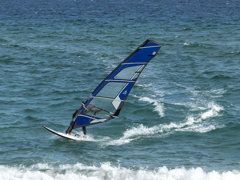 Praticante de Windsurfe (Imagem: Flickr/Al Rosa)