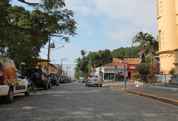 Rua da Padroeira em Ilhabela atualmente (Imagem: Arquivo Pessoal/Alessandra Stefani)