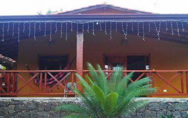 Casa entre Veloso e Curral